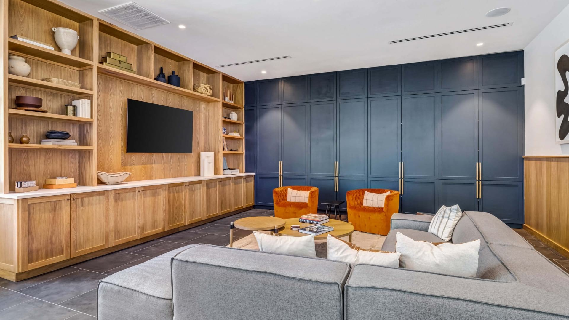 Clubroom with media lounge